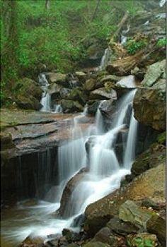Amicalola Falls State Park, between Ellijay and Dahlonega in Dawsonville, Georgia. ~ #GAnaturalwonders
