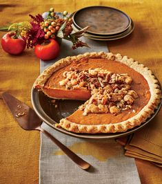 Southern Pies_Persimmon Pie with Pecan Streusel Pie Recipes, Fall Recipes, Dessert Recipes, Cooking Recipes, Dessert Ideas, Thanksgiving Recipes, Thanksgiving Traditions, Thanksgiving Feast, Pastry Recipes