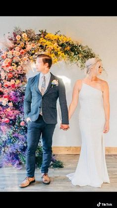 With Dramatic flowers your backyard will be transported to a wedding venue that belongs in #vogueweddings Las vegas florist #wedding #weddingindeas #weddingflowers #floralinstallation #florist #weddinginspo #lasvegaswedding #vegaswedding #florals #weddinggoals Vogue Wedding, Wedding Flowers, Wedding Dresses, Las Vegas Weddings, Wedding Goals, Florals, Wedding Venues, Backyard, Photo And Video