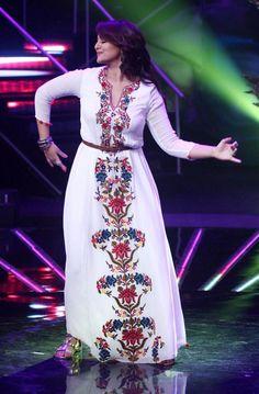 Sonakshi Sinha shakes a leg on Indian Idol! | PINKVILLA