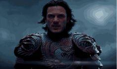luke evans gifs   LUKE-EVANS.RU — yahoomoviesuk: A new trailer for Dracula Untold,...