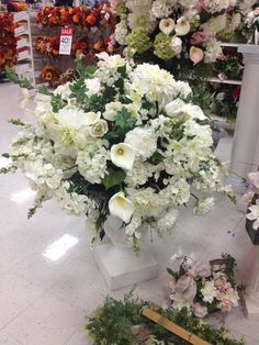 One of our two white urns for our wedding display. Paducah Kentucky