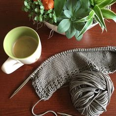 Rainy weather what to do? Cake in the oven coffee in a cup and cotton on my needles. Secretly enjoying this time of the year! #iloveknitting #knittinglove #knitlove #knit #knitting #knittersoftheworld #knittersofinstagram #knitstagram #instaknit #instaknitting #addi #addipremium #addifriends #handmade #handmadeknitwear #handknit #lanagrossa #lanagrossacotofine