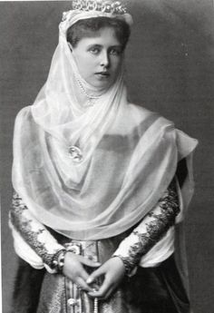 Princess Marie of Edinburgh later Queen Marie of Romania ( 29 October 1875 to 18 July after marrying King Ferdinand I of Romania on the January 1893 Royal Tiaras, Royal Jewels, Tiaras And Crowns, Princess Victoria, Queen Victoria, Romanian Royal Family, Princess Alexandra, Kaiser, Royal Fashion