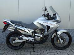 Ktm Adventure, Honda Bikes, Cars And Motorcycles, Racing, Japan, Friends, Vintage Motorcycles, Running, Amigos