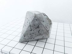 DIY: CONCRETE DIAMOND  Can't wait to try! Really want to work it into a jewellery piece