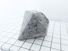 DIY: concrete diamond