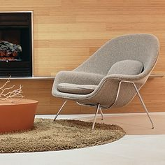 Saarinen Large Womb Chair by Knoll | YLiving