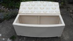 Lloyd Loom style blanket box covered in Fermoie and Vanessa Arbuthnott's butterflies inside - www.at-the-cartshed.co.uk Loom Blanket, Blanket Box, Vanessa Arbuthnott, Painted Boxes, Country Furniture, Vintage Country, Covered Boxes, Toy Chest, Storage Chest