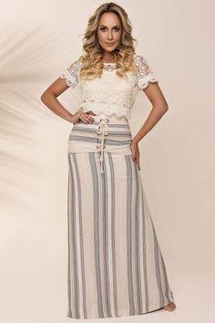 Fasciniu's Moda Evangélica Modest Dresses, Modest Outfits, Modest Fashion, Women's Fashion Dresses, Chic Outfits, Nice Dresses, Maxi Skirt Outfits, Blouse And Skirt, Dress Skirt