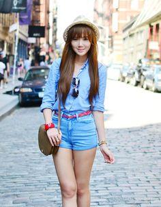 4. With a Cute Belt - 7 Ways to Wear High Waist Denim Shorts like a Diva ... | All Women Stalk