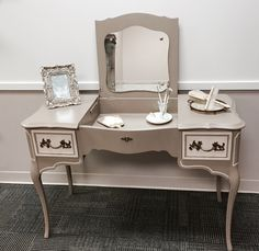 Discover recipes, home ideas, style inspiration and other ideas to try. French Provincial Bedroom, French Provincial Furniture, Repurposed Furniture, Diy Furniture, Furniture Design, Vanity Redo, Refinished Vanity, French Vanity, Asian Decor