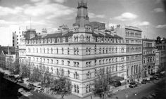 The third Menzies Hotel,at the south-east corner of Bourke and William Streets,Melbourne in Victoria (year unknown). Melbourne Victoria, Victoria Australia, Queen Victoria Market, Victoria Building, Williams Street, Australian Architecture, Second Empire, Famous Architects, Amazing Pics