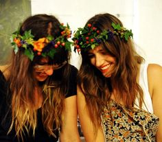 Floral holiday crowns; http://www.theflowerdrum.blogspot.com/