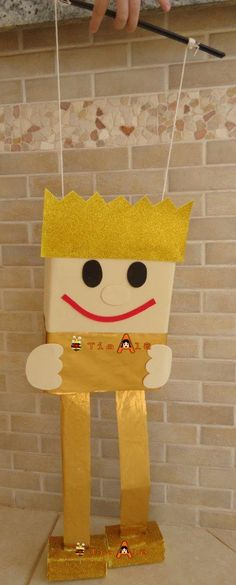 Meu lindo Rei Davi. Você pode contar outras histórias sobre rei usando o mesmo boneco.             1- O rosto/corpo foi feito com uma c...