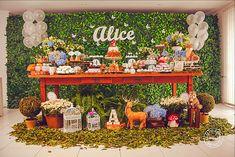 muro inglês 6m Bar Cart, Alice, Candy, Home Decor, Walls, Decoration Home, Room Decor, Sweets, Home Interior Design