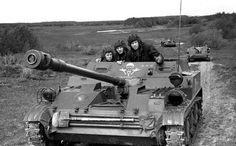 self-propelled guns during maneuvers Warsaw Pact, Ww2 Photos, Tank Destroyer, Soviet Army, World Of Tanks, East Germany, Armored Vehicles, Military Vehicles, Wwii