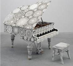 Crochet piano - Joana Vasconcelos