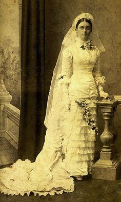 Vintage Wedding Victorian Wedding Dresses: 27 Stunning Vintage Photographs of Brides Before 1900 ~ vintage everyday Antique Wedding Dresses, Vintage Wedding Photos, Vintage Bridal, Vintage Weddings, Wedding Gowns, Wedding Shot, Country Weddings, Wedding Menu, Lace Weddings
