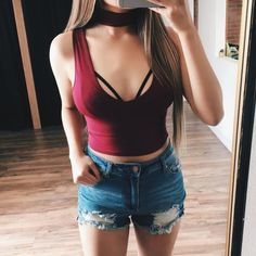 Layla V-Neck Crop Top (Burgundy)