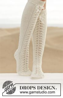 "Knitted DROPS knee socks with lace pattern in ""Fabel"". ~ DROPS Design"