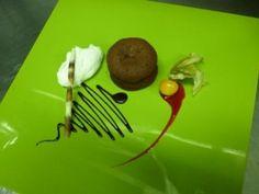 Receta | Couland de chocolate negro y corazon rojo con mousse de yoghourt danone - canalcocina.es