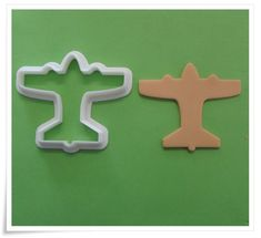 A South African supplier of silicone moulds/mold,biscuit cutters,flower cutters, cake decorating accessories, stencils and veiners Vintage Shops, Vintage Diy, Vintage Ideas, Vintage Designs, Baker Shop, Vintage Baking, Air Festival, Vintage Airplanes, Biscuit