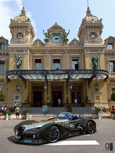 The Bugatti Atlantique Grand Sport has new black rims with diamond finishing, which design was inspired to the classic Bugatti radiator grille. Designer : Alan Guerzoni