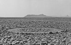 Richard Long, Touareg Circle, The Sahara, 1988