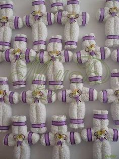 Recuerdo Toalla Cruz Cruces Primera Comunión 10 Piezas - $ 180.00 First Communion Decorations, First Communion Favors, First Holy Communion, Origami, Boy Baptism, Christening, Diy Arts And Crafts, Crafts For Kids, Easter Crafts