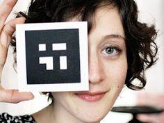 La artista estadounidense, poetisa y profesora Amaranth Borsuk ha creado, conjuntamente con su colaborador -y marido-, el programador Brad Bouse, un libro de poesía visual digital titulado Between Page and Screen. http://www.actualidadeditorial.com/poesia-visual-realidad-aumentada-q/