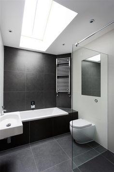 12 Black Bathroom Floor Ideas Black Bathroom Floor Ideas - Get Inspired with 25 Black and White Bathroom Design Ideas Modern black and white bathroom with black tile & matte Black Bathroom Floor, Black White Bathrooms, White Bathroom Tiles, Modern Bathroom Decor, Bathroom Floor Tiles, Bathroom Interior Design, Bathroom Ideas, Wall Tiles, Grey Tiles
