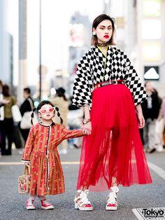 The Ivy Tokyo Designer Mother & Daughter Vintage Kimono Top Harajuku Street Styles Japan Street Fashion, Tokyo Fashion, Harajuku Fashion, India Fashion, Fashion 2020, Estilo Harajuku, Harajuku Girls, Asian Street Style, Tokyo Street Style