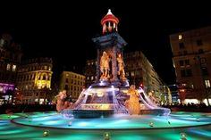 """Le grand rendez-vous nocturne du 5 au 8 décembre est à Lyon avec une nouvelle édition de la """"Fête des Lumières""""... 70 installations réparties dans les rues, les places et les parcs de la ville. Faites votre choix parmi les 5 parcours proposés ! http://www.fetedeslumieres.lyon.fr/fr/edition/edition-2014 #Lyon #FetedesLumieres #RVenFrance"""