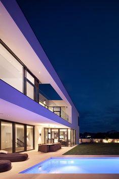 Modern Villa by Hometec