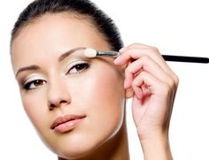 Six Makeup Tips for Small Eyes to Make Them Look Bigger.