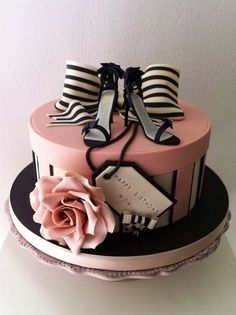 Fashion Fem pink and black cake ~ all edible this could totally be a wedding shower cake right? Fashion Cakes, Let Them Eat Cake, Decorative Boxes, Pastries, Food Cakes, Home Decor Boxes