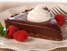Μια πολύ εύκολη και πολύ νόστιμη τάρτα σοκολάτας. Μια συνταγή για μια πανεύκολη τάρτα σοκολάτας χωρίς ψήσιμο με 4 μόνο υλικά