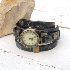 Wrist watches women Rustic leather Watch Black Leather by Jullyet