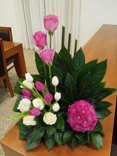 Pin by Melinda ZA on Flower Arrangements Creative Flower Arrangements, Tropical Flower Arrangements, Modern Floral Arrangements, Funeral Flower Arrangements, Silk Arrangements, Beautiful Flower Arrangements, Beautiful Flowers, Altar Flowers, Church Flowers