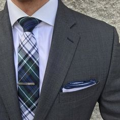 Perfect for nautical adventures in the summertime, this fine white linen pocket square has a navy blue outline that creates an aesthetically pleasing contrast. Men's Pocket Squares, Navy Blue, Blue And White, Summer Time, Nautical, Style Inspiration, Mens Fashion, Outline, Ties
