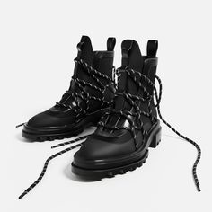 LACE-UP RUBBERISED ANKLE BOOTS