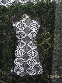 Ravelry: Esha pattern by A Passion For Lace...
