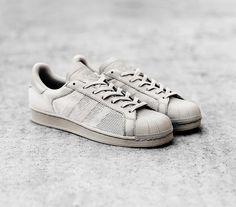adidas Superstar Triple Granite Grey. Hier entdecken und shoppen: http://sturbock.me/0mm