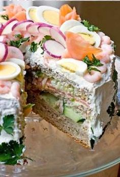 En general los frutos de mar (gambas, langostinos, camarones, o incluso atún o palitos de pescado) q... - Rebañando