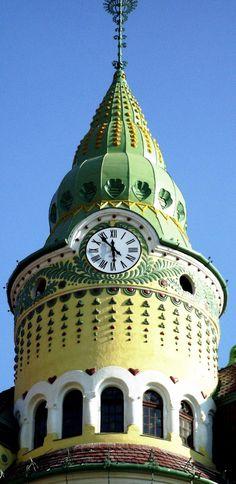Bodet - OraExacta tower clock in Oradea, Romania. Cadran d'édifice Bodet - OraExacta situé à Oradea en Roumanie. http://www.oraexacta.com