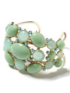 Fresh and spring-like bracelet from Banana Republic.