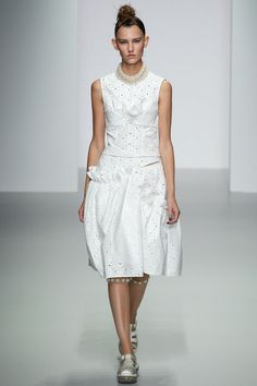 Simone Rocha Spring 2014 Ready-to-Wear Collection Slideshow on Style.com