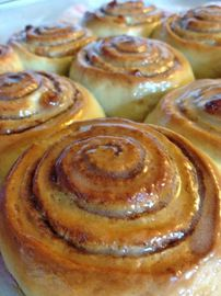 Cinnamon rolls – Famous Last Words Brioche Rolls, Brioche Bread, Bread And Pastries, French Pastries, Cooking Chef, Cooking Recipes, Cinnabon Rolls, Sweet Recipes, Cake Recipes