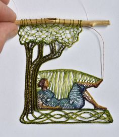 This is a fine arts website presenting custom-designed, handmade wall decor works that are for sale. These works were mainly made with pillow lace and needle lace techniques, combined with ceramic and wood elements. Weaving Art, Wire Weaving, Tapestry Weaving, Lace Embroidery, Embroidery Kits, Cross Stitch Embroidery, Needle Lace, Bobbin Lace, Lace Art